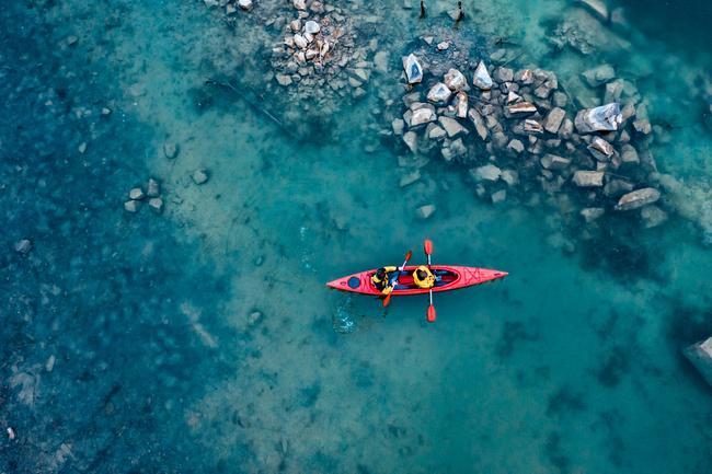 Kayak - des mesures de régulation pour contrer la sur-fréquentation des Calanques de Marseille